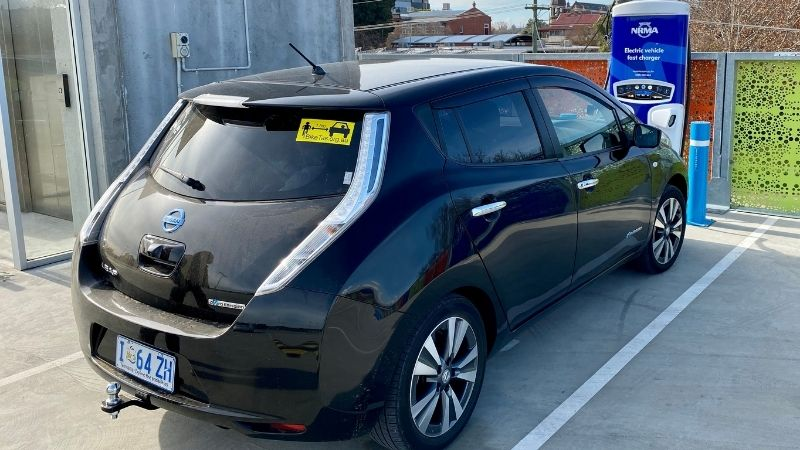 Nissan Leaf at NRMA charger at Gundagai. Free to NRMA members.